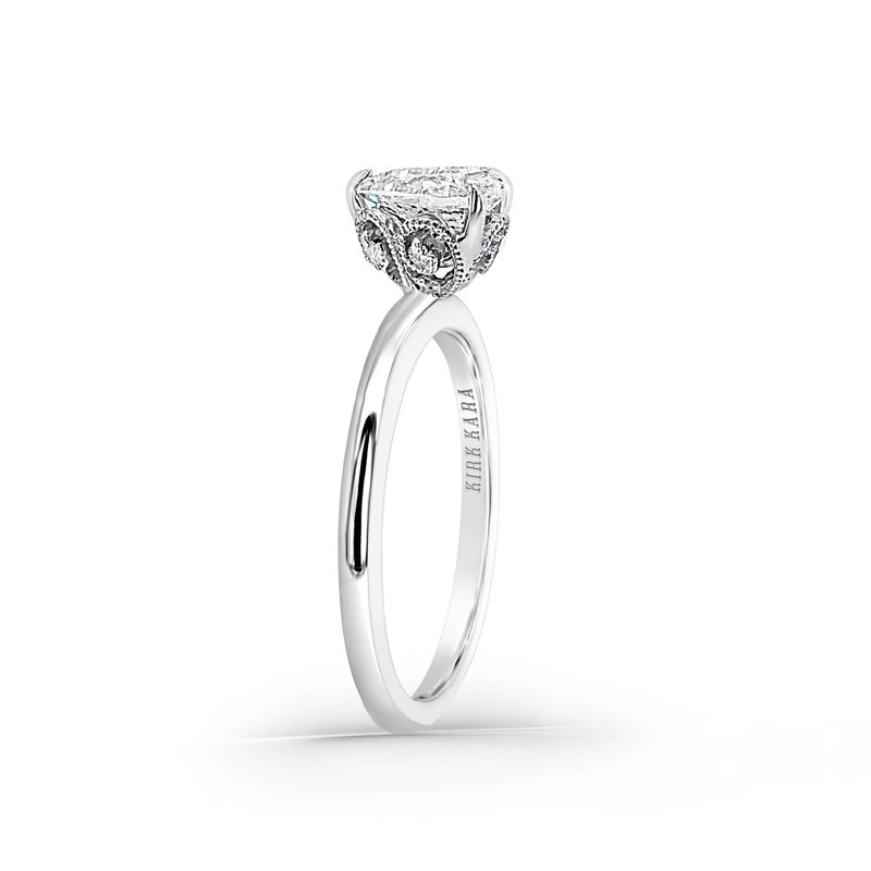 White Gold Pear Solitare Diamond Engagement Ring