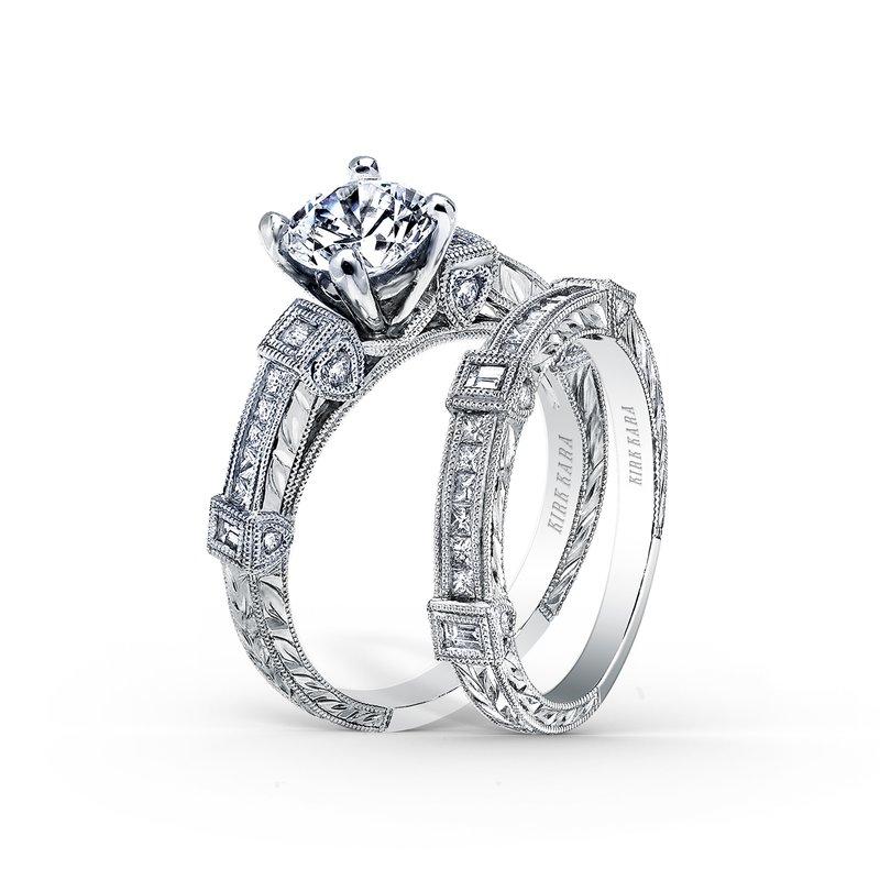 Engraved Detailed Diamond Wedding Band
