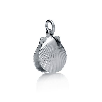 Chilmark Medium Full Scallop Shell charm