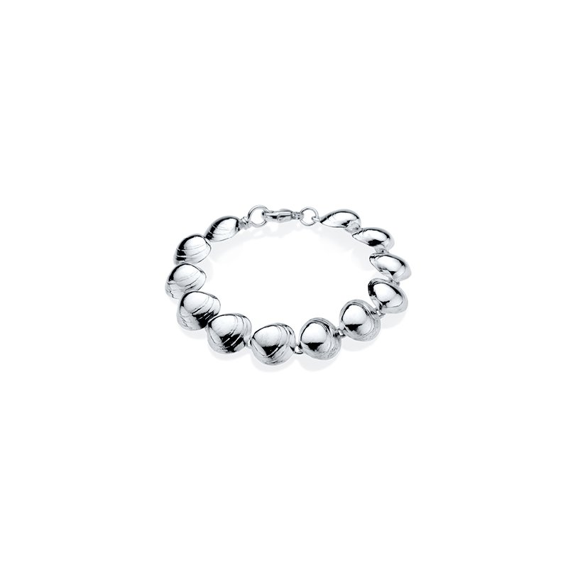 West Tisbury Baby Clam Shell bracelet