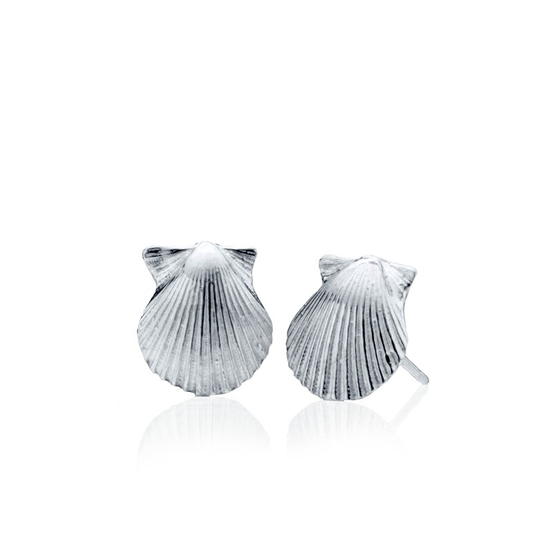 Chilmark Scallop Shell small earrings