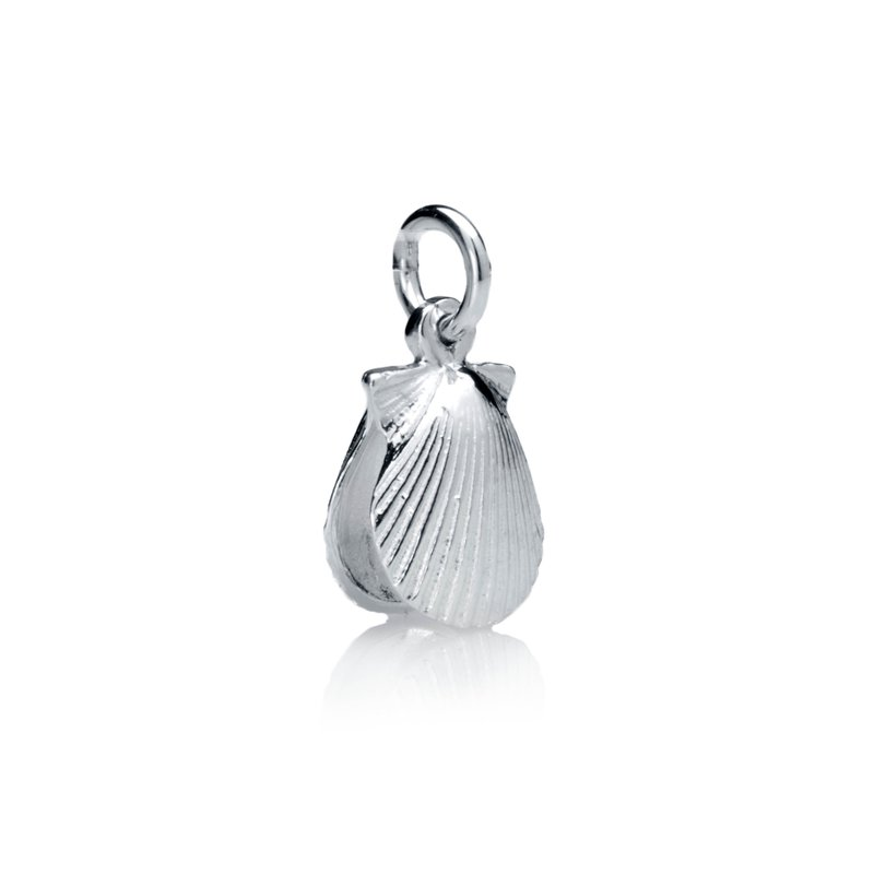 Chilmark Small Full Scallop Shell charm