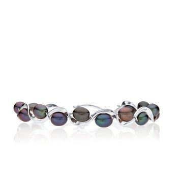 Black Pearl Ruffle bracelet