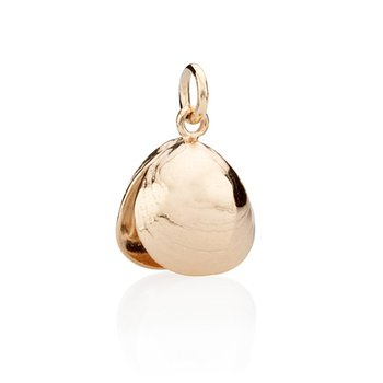 West Tisbury Full Baby Clam Shell charm