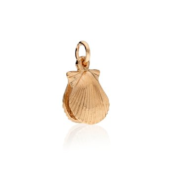 Chilmark Small Full Scallop Shell charm