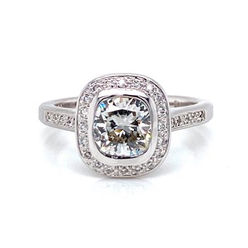 18K Cushion Cut Halo Diamond Engagement Ring