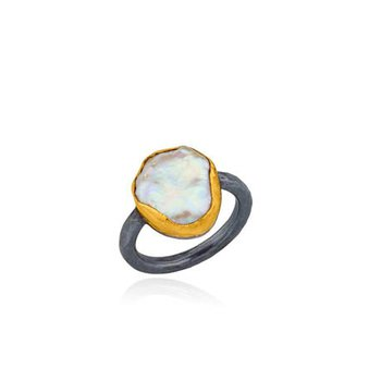 "Lika Behar ""Karin"" ring with Keshi Pearl"