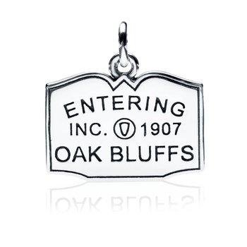 Entering Oak Bluffs Town Sign charm