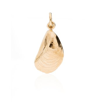 Squibnocket Mussel Shell charm