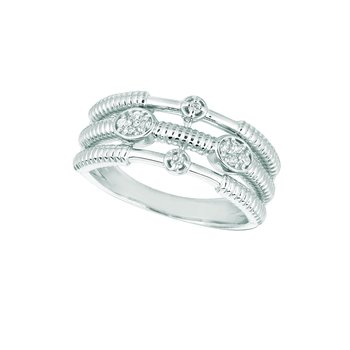 14K White Gold 0.11ctw. Diamond Oval & Round Cluster Negative Space Cocktail Anniversary Band Ring