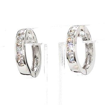 1/4ct Small Huggie Hoop Diamond Earring