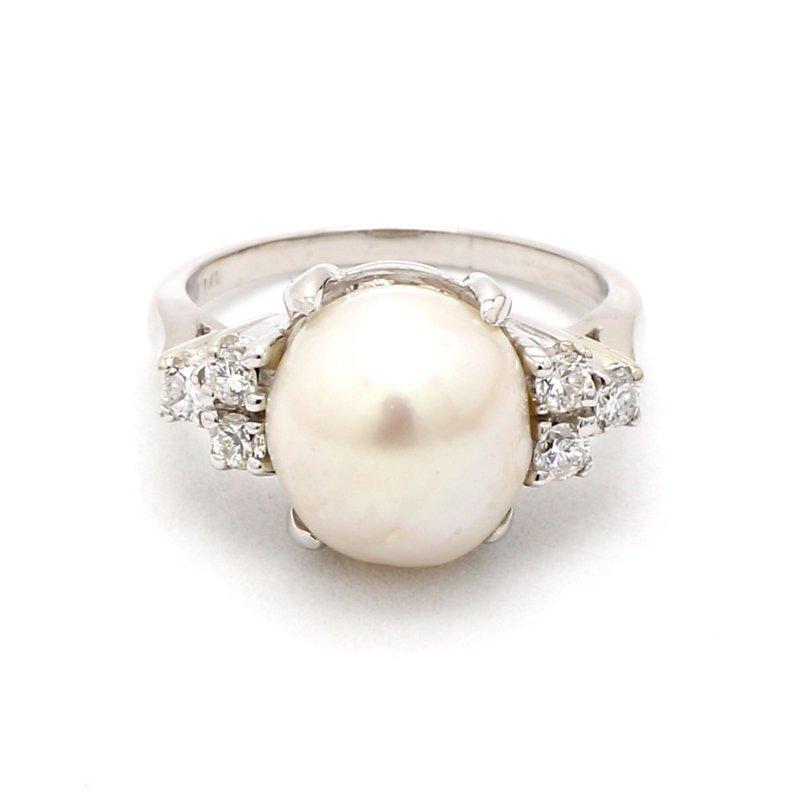 Estate 9mm Baroque Pearl & Diamond Ring