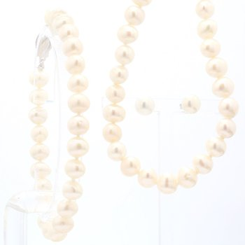 Sterling Silver Freshwater Pearl 6-7MM Necklace, Bracelet And Earring Set