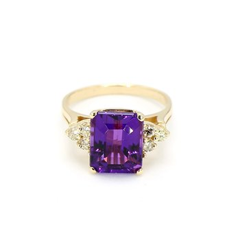 2.00 Carat Russian Amethyst And .08 Diamond Estate Vintage Ring