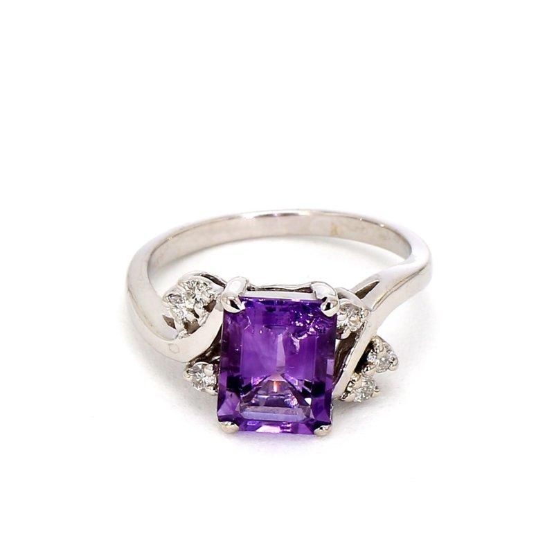 1 9/10ct Amethyst & Diamond Ring