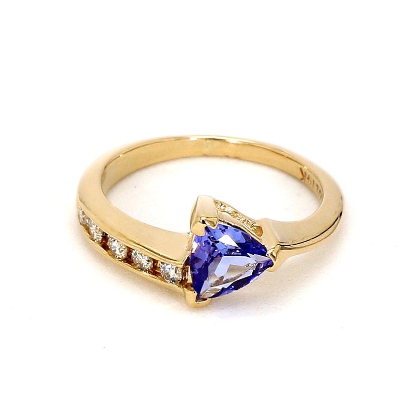 9/10ct Tanzanite & Diamond Ring