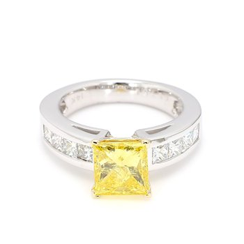 3.01ct Yellow Diamond Ring