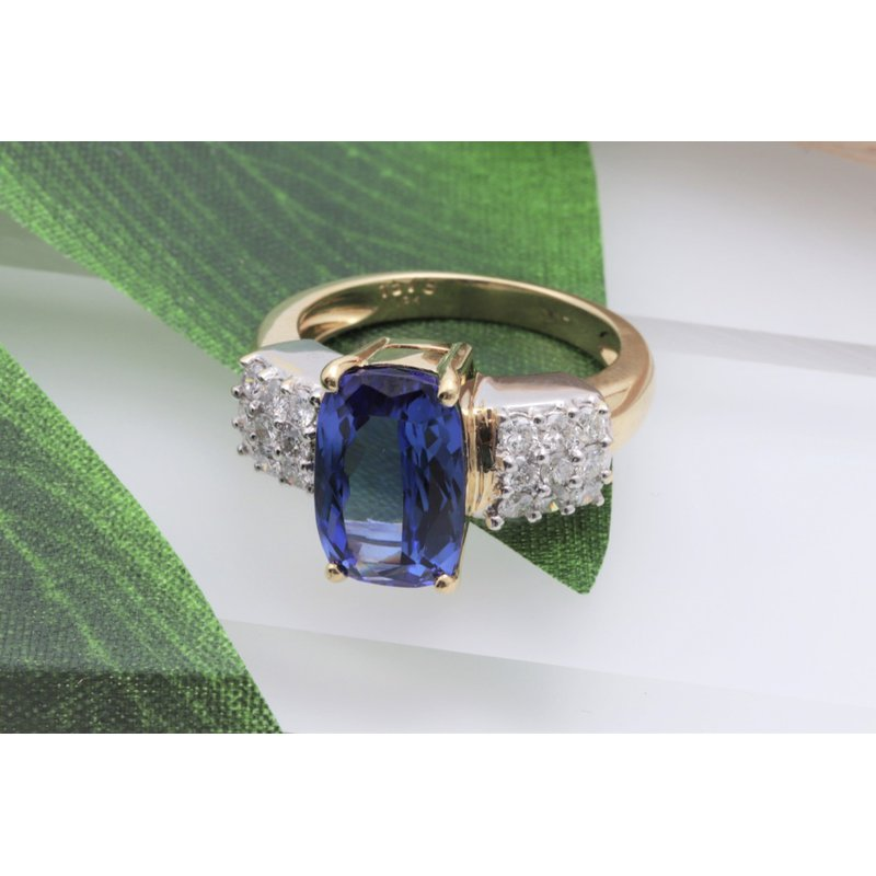 18k Yellow And White Gold Tanzanite Ring