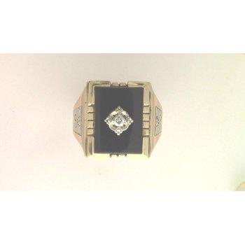 Gentlemans' 10k Yellow Gold Black Onyx Ring