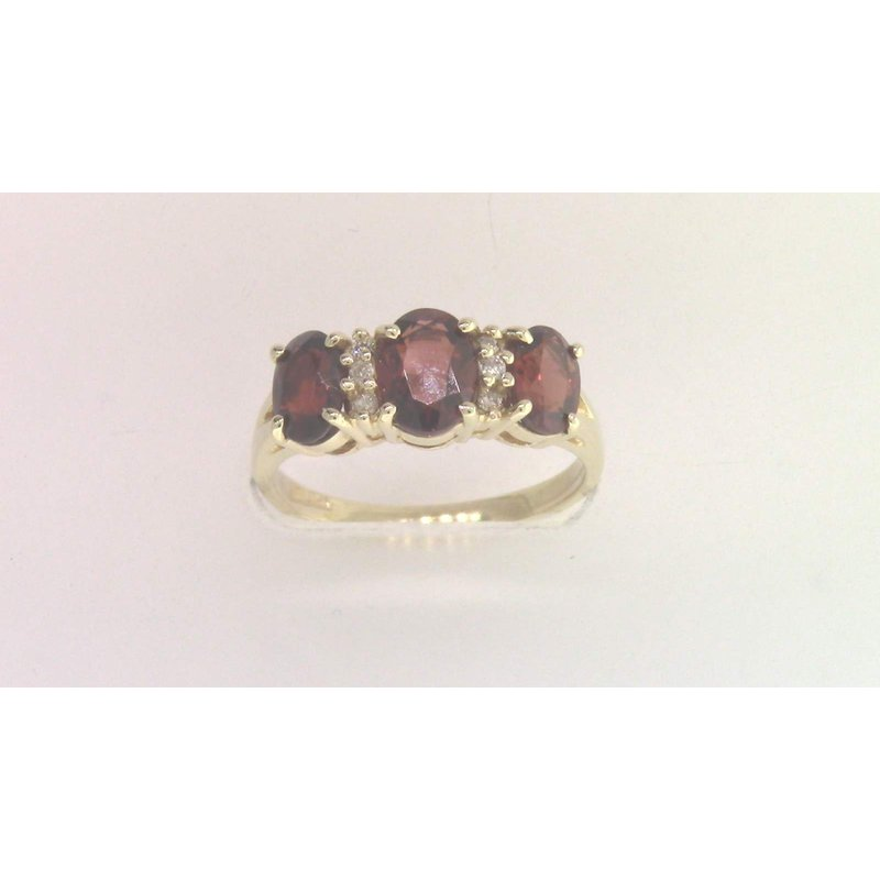 Pugh's Signature 14k Yellow Gold Garnet Ring