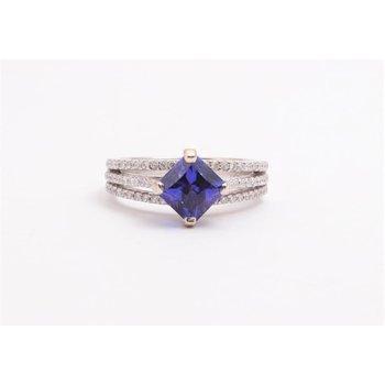 Ladies' 18k White Gold Tanzanite Ring