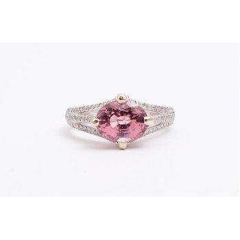 Ladies' 18k White Gold Diamond Ring