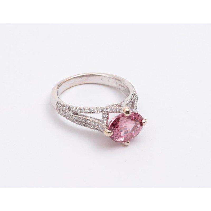 Pugh's Signature Ladies' 18k White Gold Diamond Ring