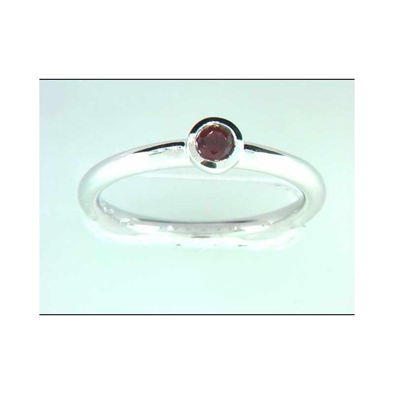 Ostbye Ladies' 14k White Gold Garnet Ring