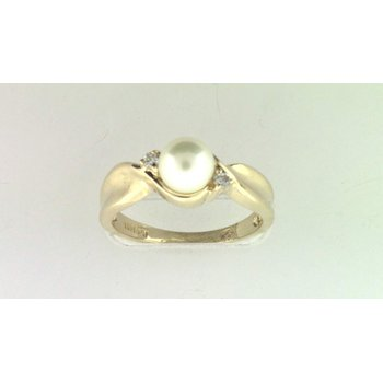 14k Yellow Gold Akoya Cultured Pearl Ring