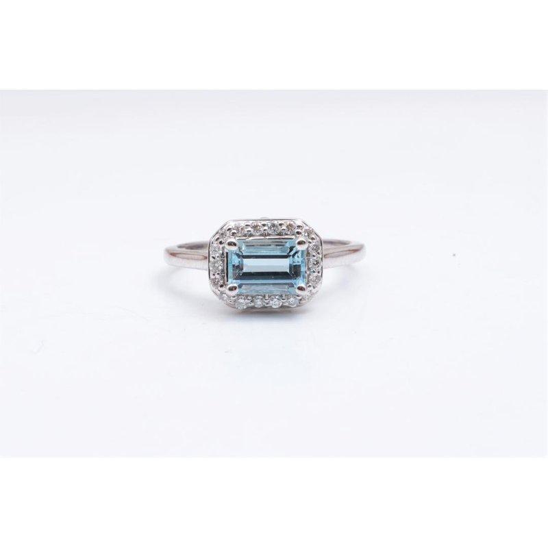 Pugh's Signature 14k White Gold Aquamarine Ring