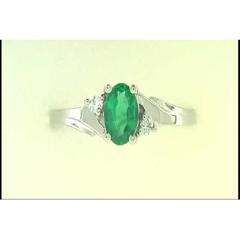 14k White Gold Emerald Ring