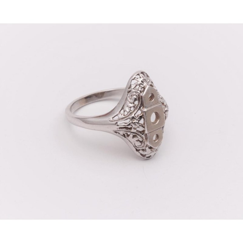 Pugh's Signature Ladies' 14k White Gold Ring