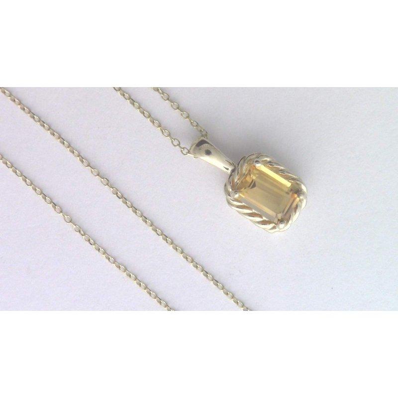 Pugh's Signature 14k Yellow Gold Citrine Quartz Pendant