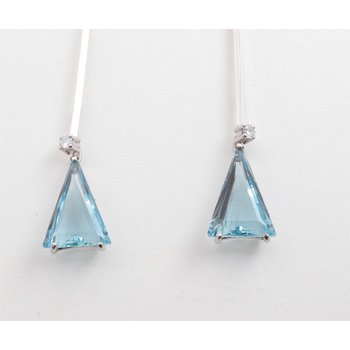 14k White Gold Blue Topaz Earrings