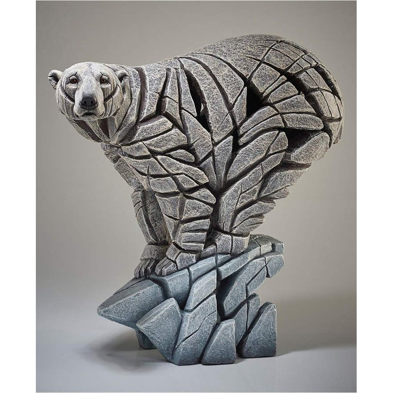 Edge Sculpture Polar Bear