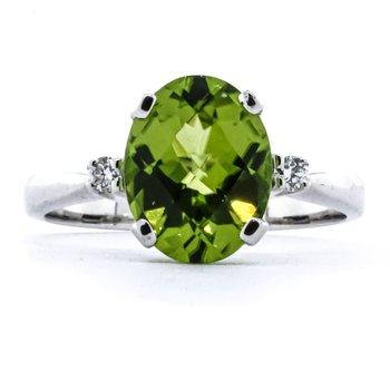 14K White Gold Three Stone Peridot and Diamond Birthstone Ring SZ 6.5