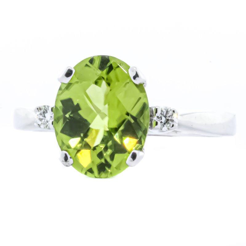 Iroff and Son Jewelers  14K White Gold Three Stone Peridot and Diamond Birthstone Ring SZ 6.5
