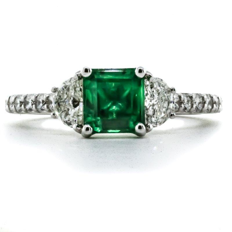 Iroff and Son Jewelers  18K White Gold Three Stone Emerald and Diamond Milgrain Band Ring SZ 6.75