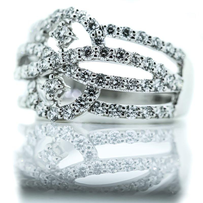 Iroff and Son Jewelers  18K White Gold Open Figure 4 Row Diamond Band SZ 6.5