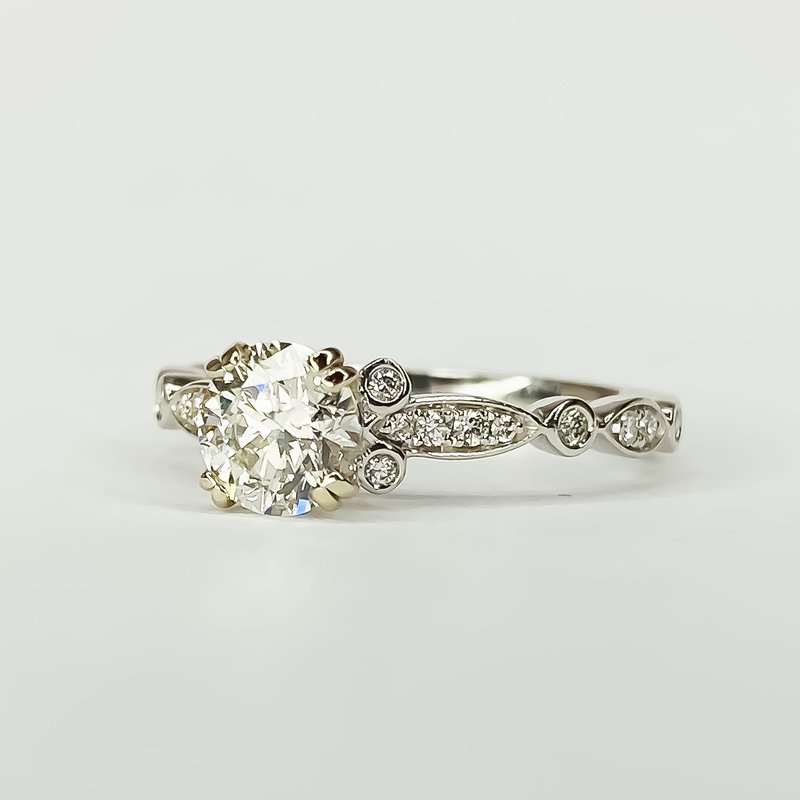 Iroff and Son Jewelers  14K White Gold Round Solitaire IGI Diamond Engagement Ring Size 6