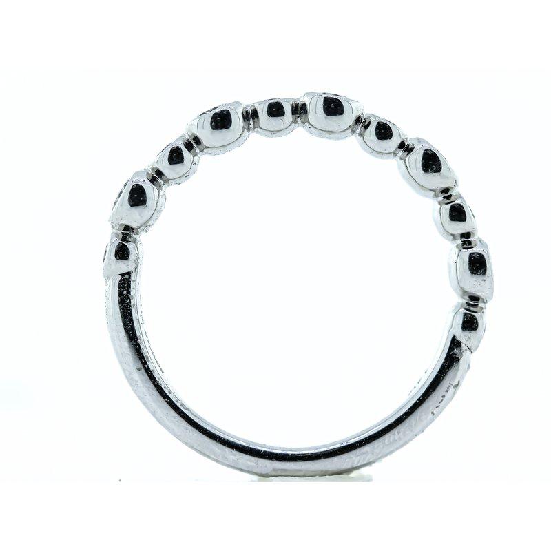 Iroff and Son Jewelers  14K White Gold Bezel Set Circle Motif Wedding Band SZ 6.25