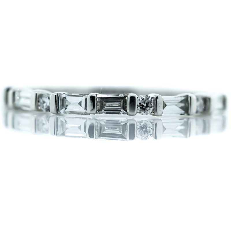 Iroff and Son Jewelers  18K White Gold Baguette and Round Diamond Wedding Band SZ 6