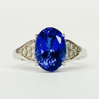 18K White Gold Oval Tanzanite Diamond Accent Ring Size 7