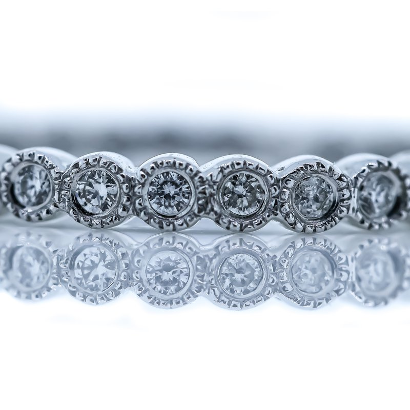 Iroff and Son Jewelers  18K White Gold Milgrain Circle Motif Wedding Band SZ 6.5