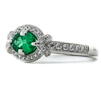 18K White Gold Three Stone Emerald and Diamond Milgrain Band Ring SZ 6.75