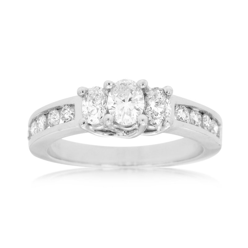 Lauray's Signature Collection White Gold Diamond Engagement Ring