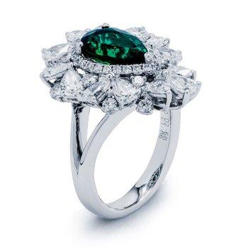 White Gold Emerald Fashioin Ring