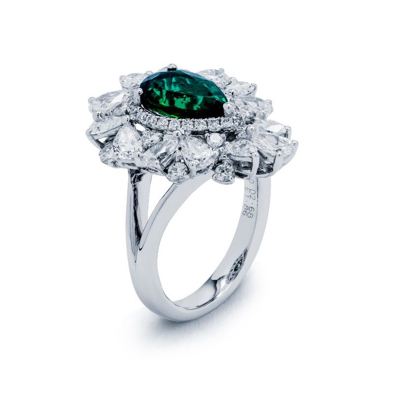 Lauray's Signature Collection White Gold Emerald Fashioin Ring