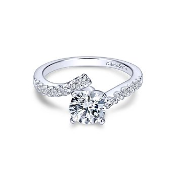Round Bypass Diamond Engagement Ring Mounting
