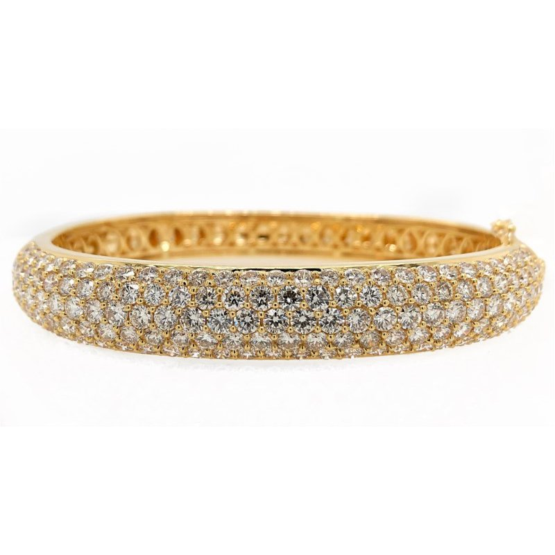 Lauray's Signature Collection Yellow Gold Diamond Bangle Bracelet
